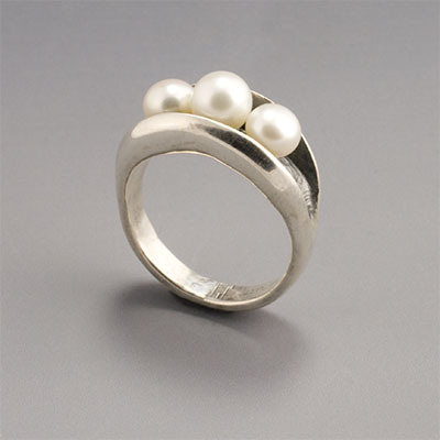 silver pearl oyster ring