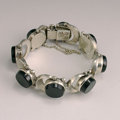 Antonio Pineda silver and black onyx bracelet with swivelling links