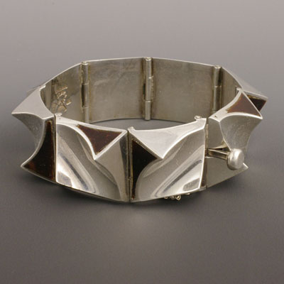 Antonio Pineda shell bracelet